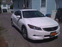 2010 Honda Accord LX-S Coupe This amazing 2-door car