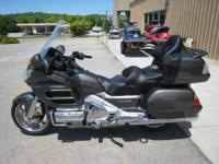 2010 Honda Gold Wing Navi XM (GL18HPNM) READY TO TOUR
