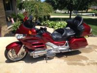 FLAWLESS 2010 HONDA GOLDWING / COMFORT GL1800ORIGINAL