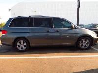 This 2010 Honda Odyssey 5dr Touring w-RES & Navi