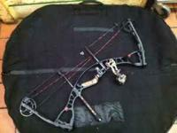 "2010 Hoyt Alphamax 32 Soft Hoyt case 29"" draw length,"
