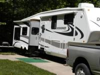 A great 5th wheel by Jayco 35RLTS. Morryde Hitch.
