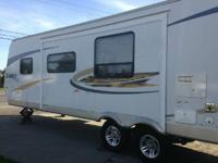 2010 Jayco Eagle 30BHK Travel Trailer. Length 30FT-