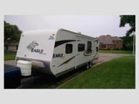 This 2010 Jayco Eagle Super lite is 33' and has one