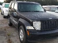 Brilliant Black Crystal Pearlcoat 2010 Jeep Liberty