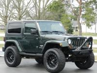 NEW ARRIVAL!*****LIFTED JEEP WRANGLER SAHARA 4X4 WITH