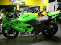 2010 Kawasaki Ninja 250 in green with 5394 miles. Well