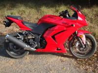 2010 Kawasaki Ninja 250R outstanding condition and well