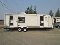 2010 Keystone Hideout travel trailer w/slideout...Only