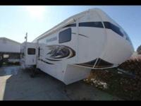 2010 Keystone Montana 5th Wheel in Excellent Condition