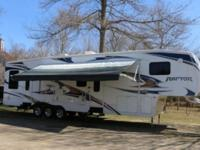 2010 KEYSTONE RAPTOR 361LEV 5TH WHEEL TOY HAULER