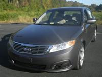 2010 KIA OPTIMA 4dr Car LX Our Location is: Nelson