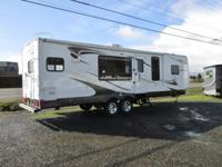 2010 Komfort All-Seasons Travel Trailer...28ft...2