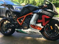 YOU ARE VIEWING #8 OF 25 IN THE WORLD KTM RC8R