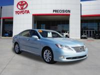 Clean CARFAX. Cerulean Blue Metallic 350 FWD **One