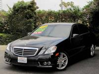 A CLEAN 2010 MERCEDES E350 BLACK ON BLACK SEATS !!!