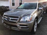 2010 Mercedes Benz GL450. 4 matic full Loaded Leather