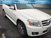 **Bluetooth**, **Carfax 1 Owner, **Central Coast Local