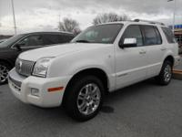 Exterior Color: white, Body: SUV, Engine: 4.6L V8 24V