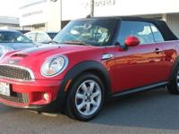 Exterior Color: chili red, Body: Convertible, Engine: