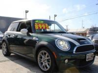 BUY WITH CONFIDENCE! CARFAX 1-Owner Cooper Hardtop and