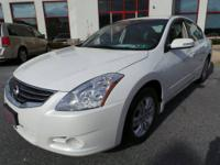 2010 Nissan Altima 2.5 SL Sedan Sedan Our Location is: