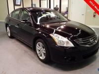 2010 Nissan Altima 3.5 SR ** Moonroof ** 1 Owner Zero