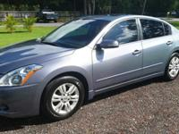 Offering my 2010 Nissan Altima SL w/Premium bundle and