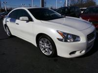 Exterior Color: winter frost pearl, Body: Sedan,