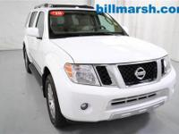 Pathfinder LE, 4WD, White, Automatic temperature