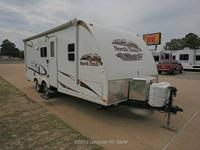 Description: 2010 North Trail 21FBS Travel Trailer Half