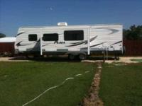 2010 Palomino Puma Travel Trailer This lovely 30 RV was
