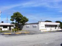 5,500+/- Square Foot Freestanding Building: 4 000+/-