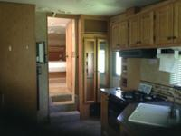 four seasons fith wheel camper, 28 foot, VERY good