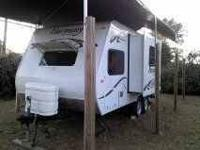 2010 SunnyBrook Harmony This travel trailer is fully
