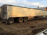 Great condition, 50-96-72 triple axle, Air ride, Rear