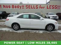 *** VERY LOW MILEAGE 38,974 *** 2010 TOYOTA CAMRY FRONT