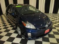 This 2010 Toyota Prius 4dr Hatchback Sedan features a