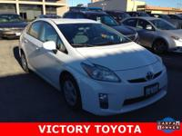2010 Toyota Prius II in White starred featured include