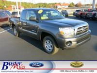 Exterior Color: gray, Body: Extended Cab Pickup,