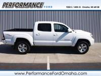 EPA 20 MPG Hwy/16 MPG City! CARFAX 1-Owner, GREAT MILES