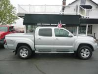 TRD SPORT,SR5 OFFROAD,4X4,CREWCAB,BACK UP CAMERA!