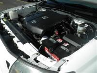 EPA 20 MPG Hwy/16 MPG City! Super White exterior and
