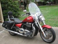 2010 Triumph 1600cc Thunderbird. ABS- 6-Speed Manual