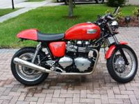 For sale is my 2010 Triumph Thruxton 900 EFI. This bike