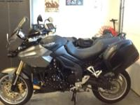 Triumph tiger 1050 SE Sport touring motorcycle with ABS