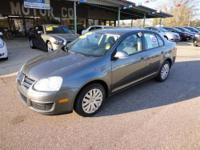 2010 Volkswagen Jetta Sedan 4dr Car S Our Location is:
