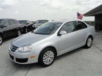 This 2010 Volkswagen Jetta 4dr S Sedan features a 2.5L