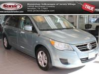 This 2010 Volkswagen Routan SE w/ RSE boasts a sharp