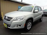 Carfax certified 2010 vw tiguan! See pictures for